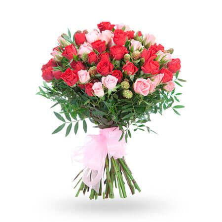 13 кустовых роз и 7 веточек фисташки